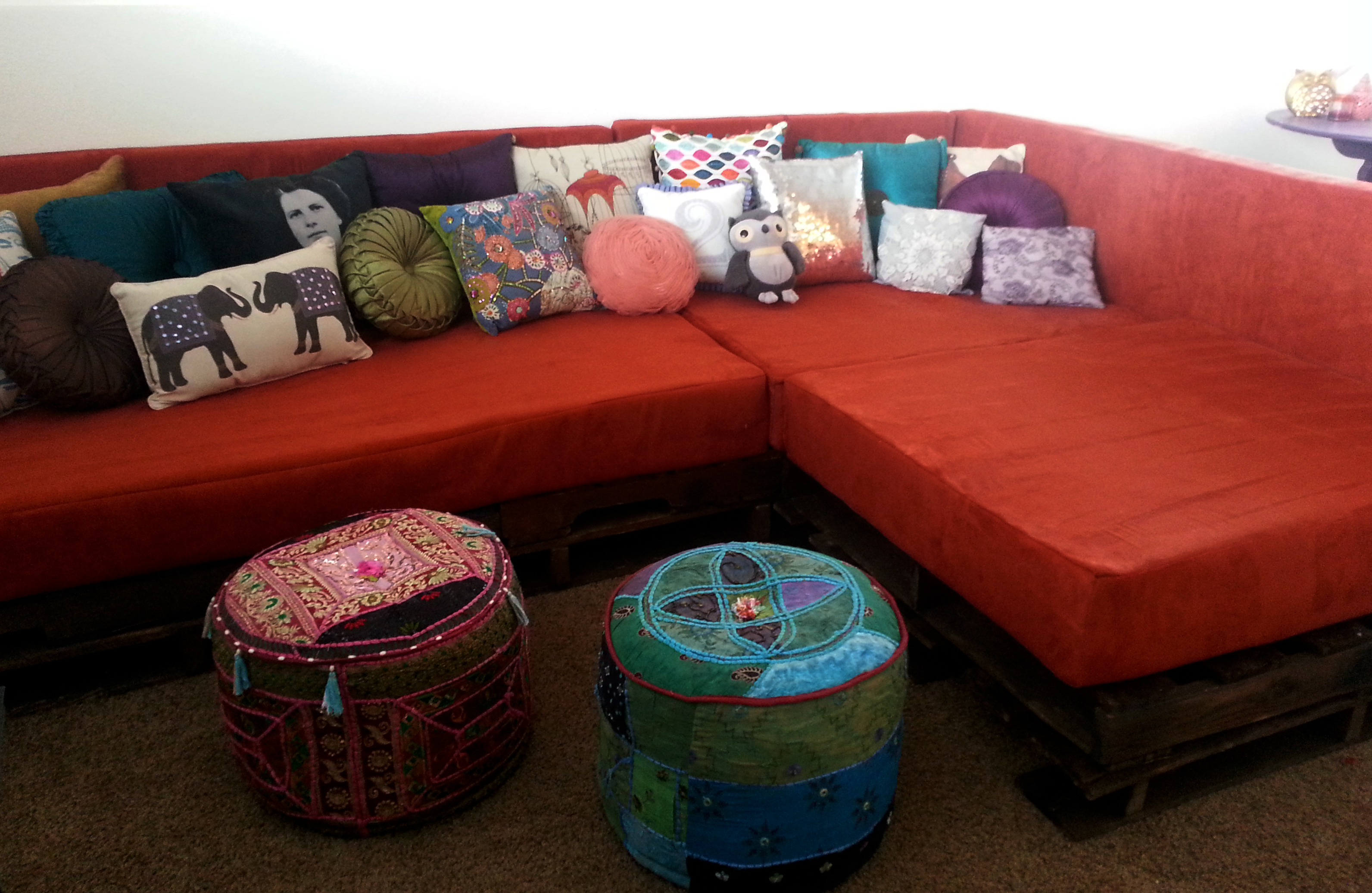 Diy Shipping Pallet Couch A Joyful Riot