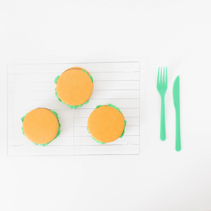 moon pie cheeseburgers for bbqs, father's day or any summer get together! | A Joyful Riot-38
