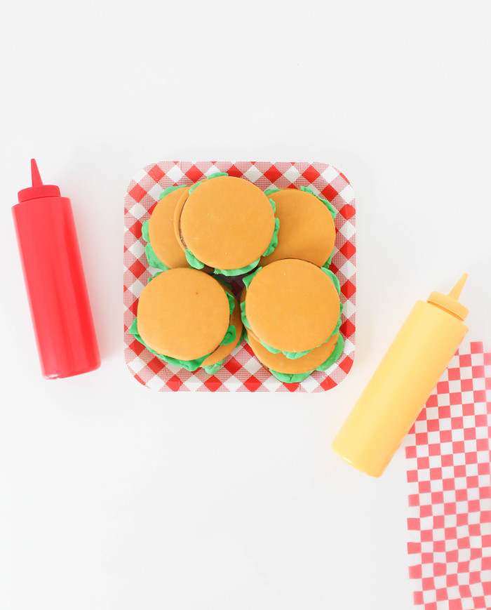 moon pie cheeseburgers for bbqs, father's day or any summer get together! | A Joyful Riot-40