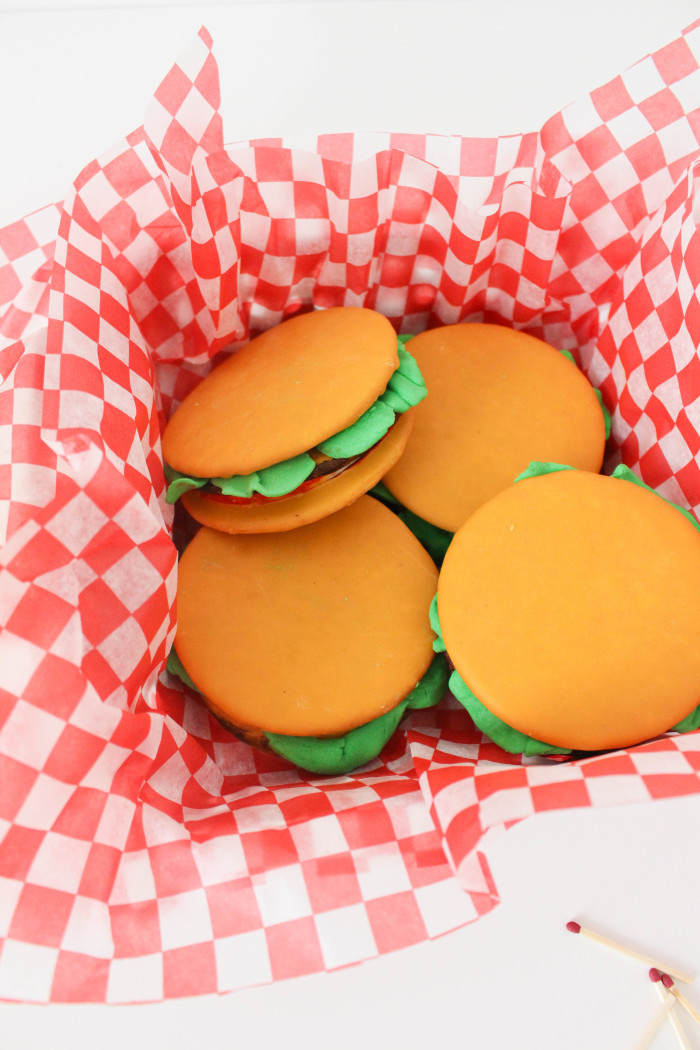 moon pie cheeseburgers for bbqs, father's day or any summer get together! | A Joyful Riot-9